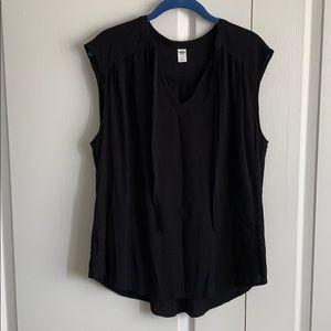 Old navy sleeveless shirt